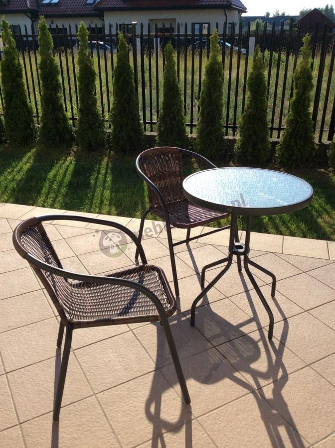 Meble na taras balkon komplet dwa krzesła i okrągły stolik
