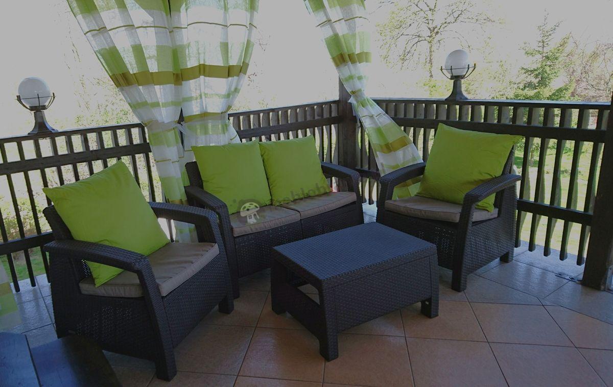 Meble ogrodowe Corfu Set w uroczej tarasowej aranżacji