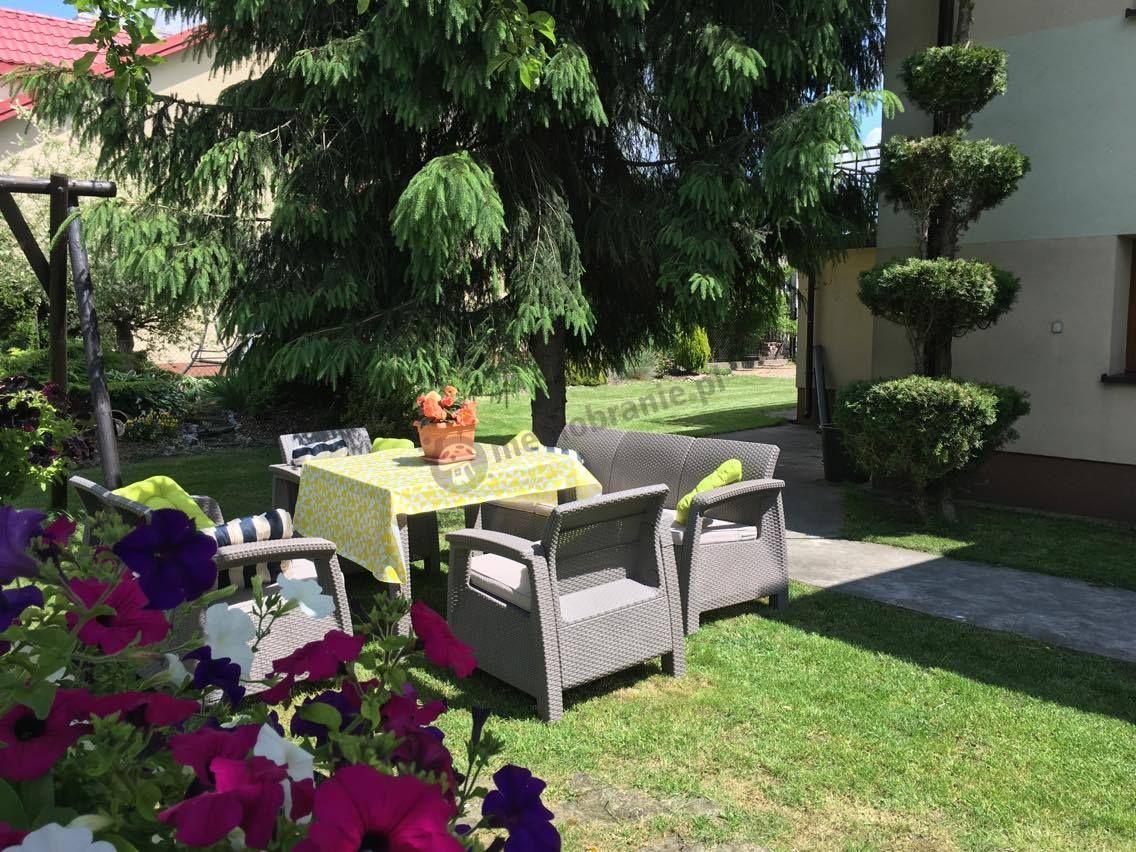 Meble ogrodowe Corfu z kwadratowym stołem obiadowym Triple Max