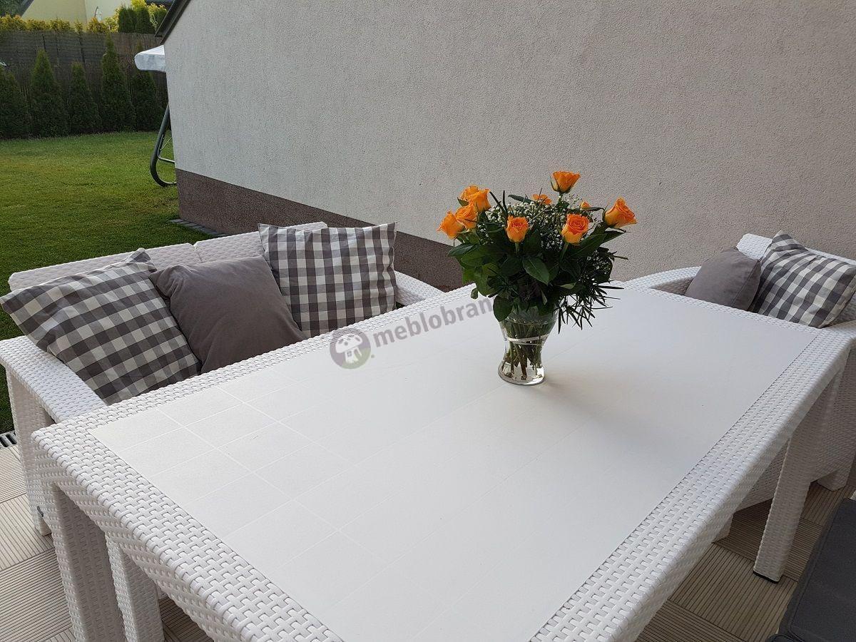 Meble ogrodowe rattanowe Corfu Fiesta białe z szarymi poduszkami