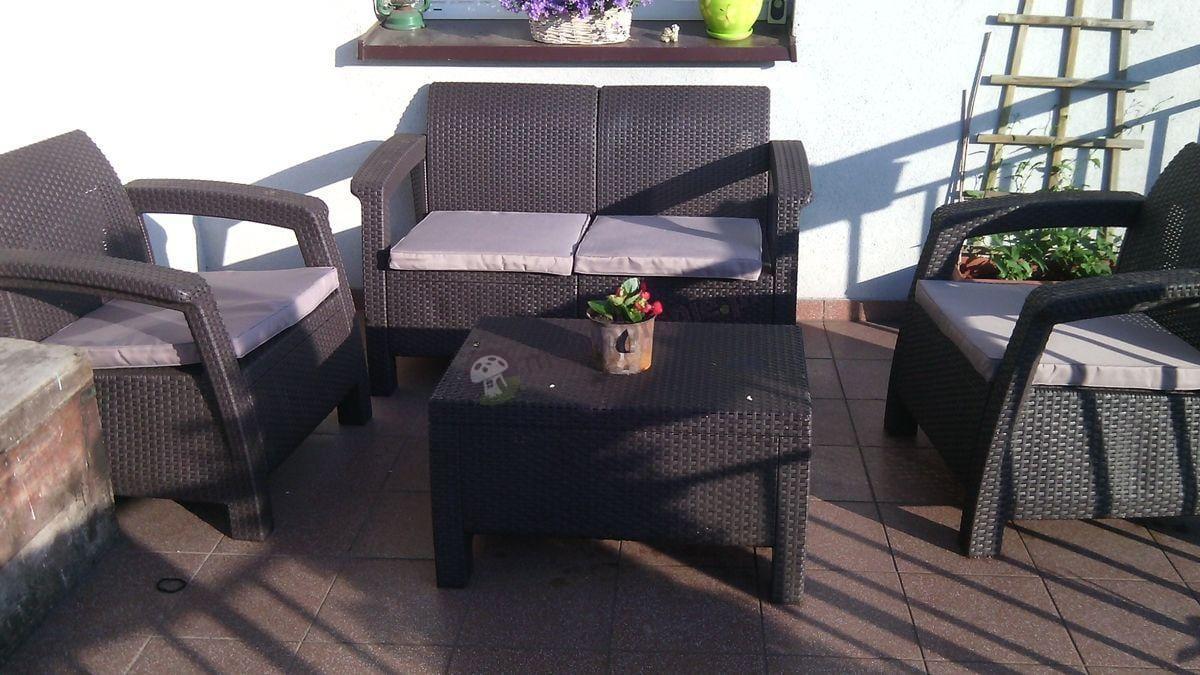 Meble ogrodowe technorattan Corfu brązowe na tarasie