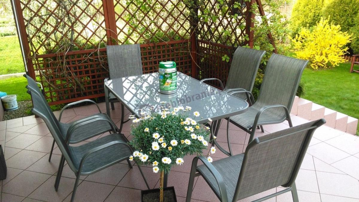 Metalowy zestaw luksusowy ogrodowy piekny na taras