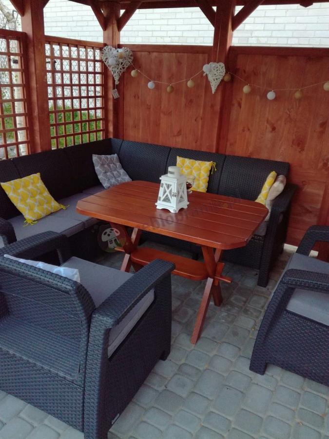 Narożnik na taras Corfu Relax Duo w drewnianej altanie