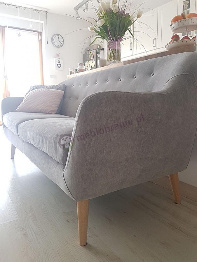 Nowoczesna sofa pikowana szara Actona Elly w pokoju dziennym