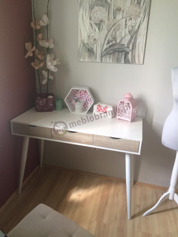 Nowoczesne biurko skandynawskie białe z drewnianymi szufladami Actona