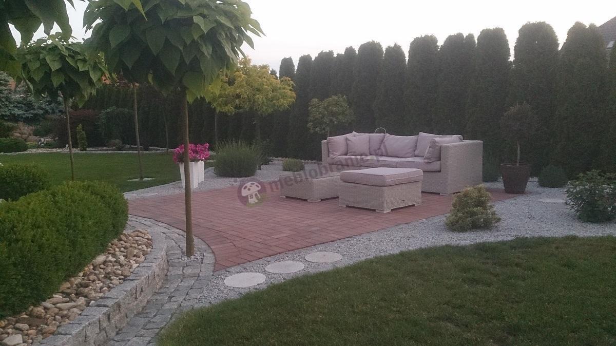 Nowoczesne meble ogrodowe z technorattanu w ogrodzie