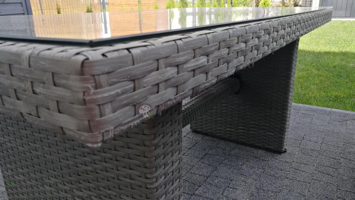 Nowoczesny stół ogrodowy technorattan na taras Nilamito szary