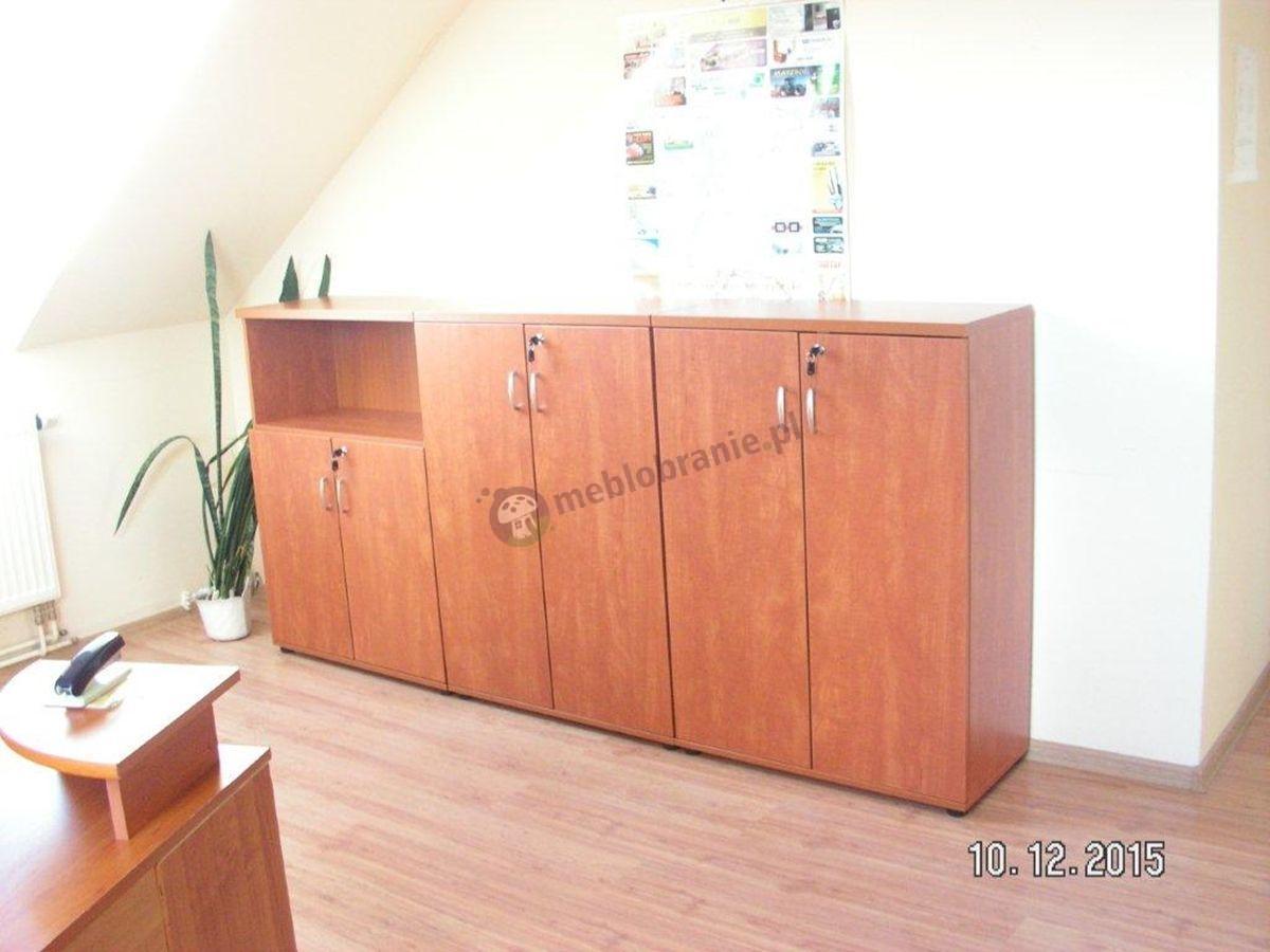 Obszerne biuro umeblowane szafami marki Svenbox