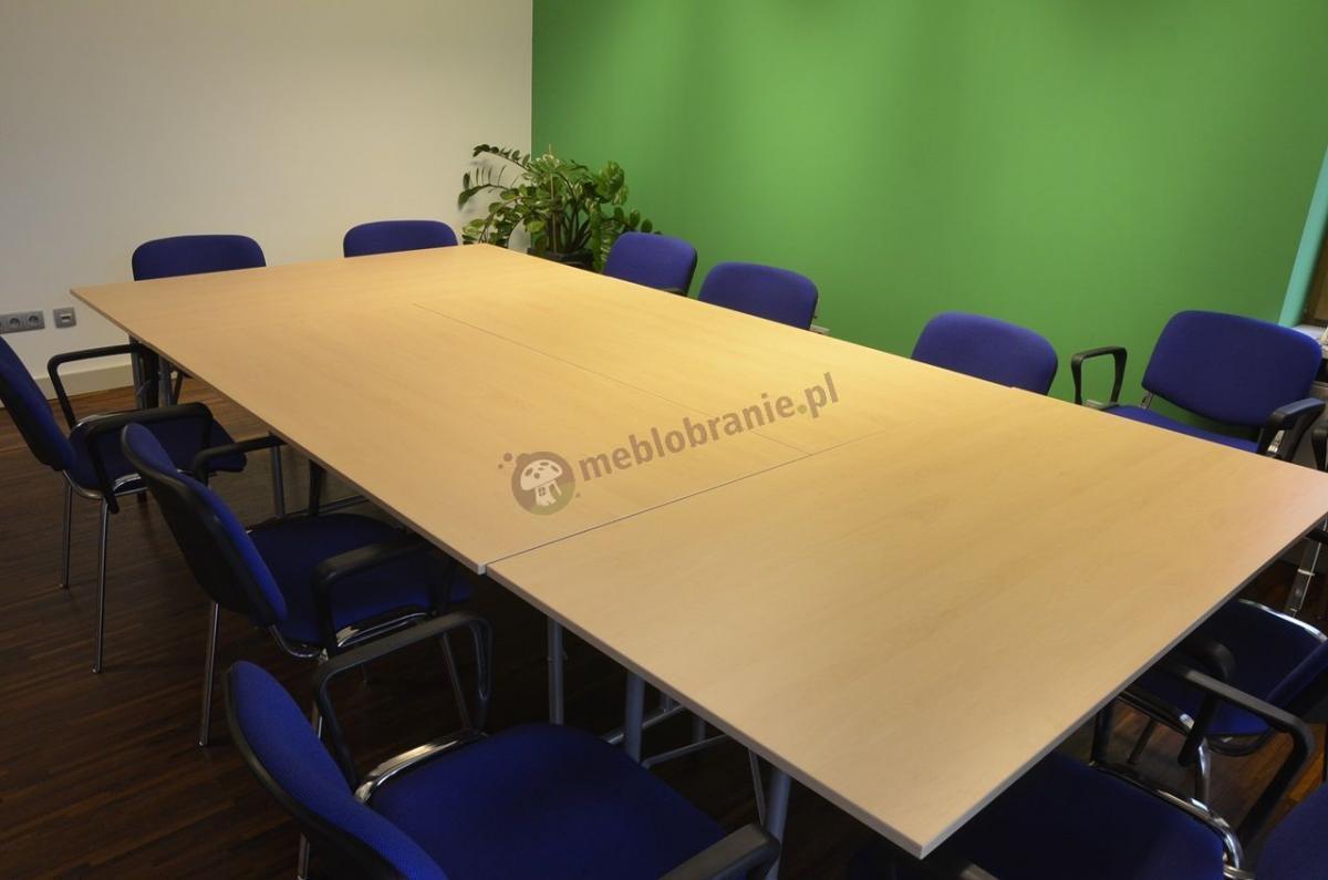 Obszerne stoły konferencyjne w odcieniu buk Rico 2
