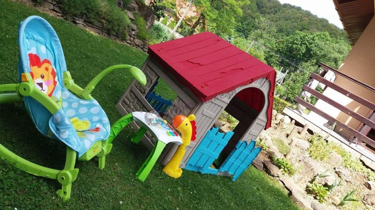 Ogródek dla dziecka z domkiem ogrodowym składanym Keter Foldable