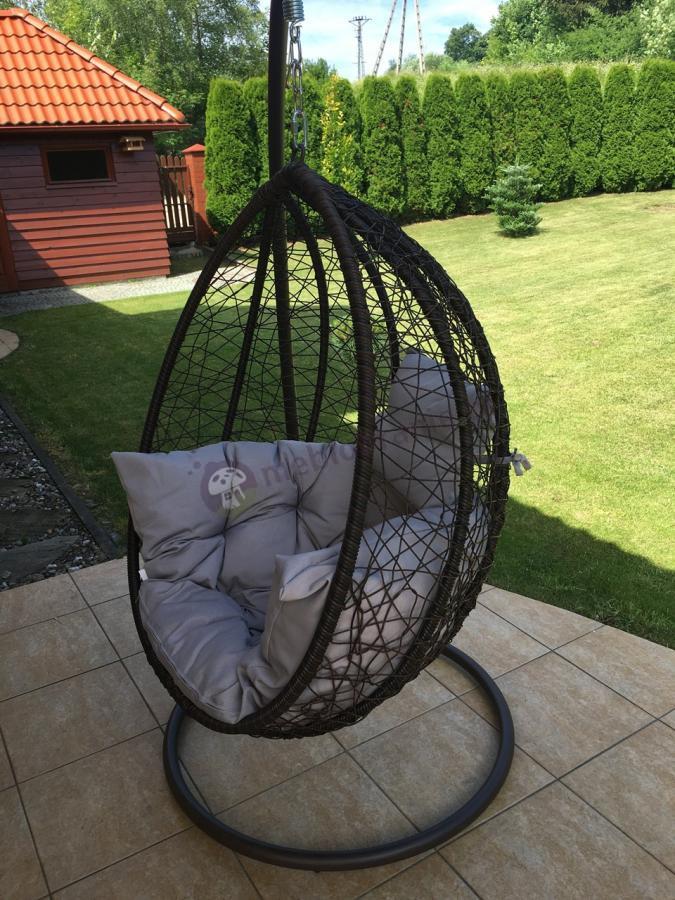 Ogrodowy fotel jajo bujany na łańcuchu technorattan w dobrej cenie