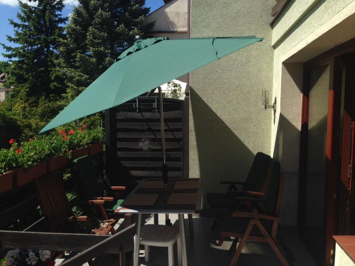 Parasol dobrze chroniący przed słońcem - Sunline IV 280 Auto Tilt zielony
