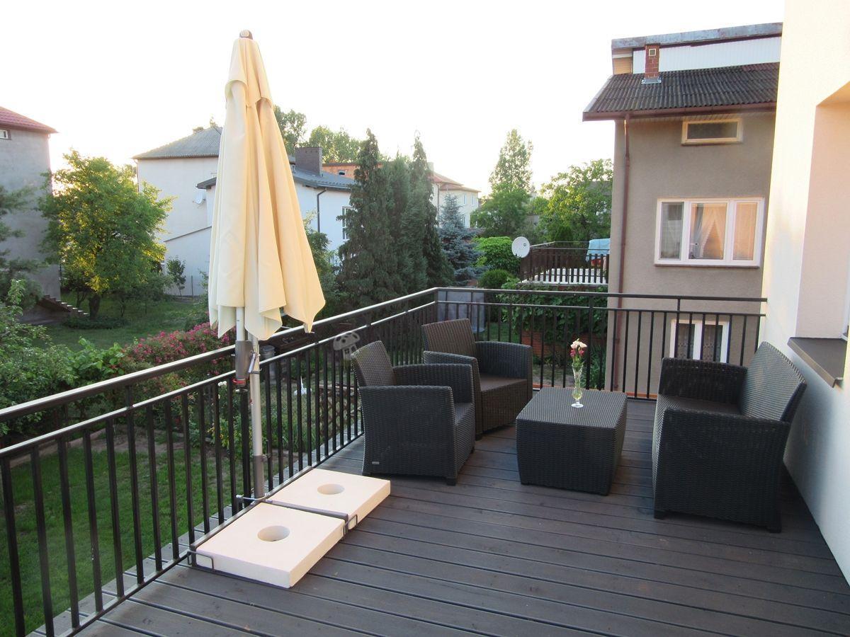 Parasol przeciwsłoneczny Sunline Pendel przy zestawie balkonowym