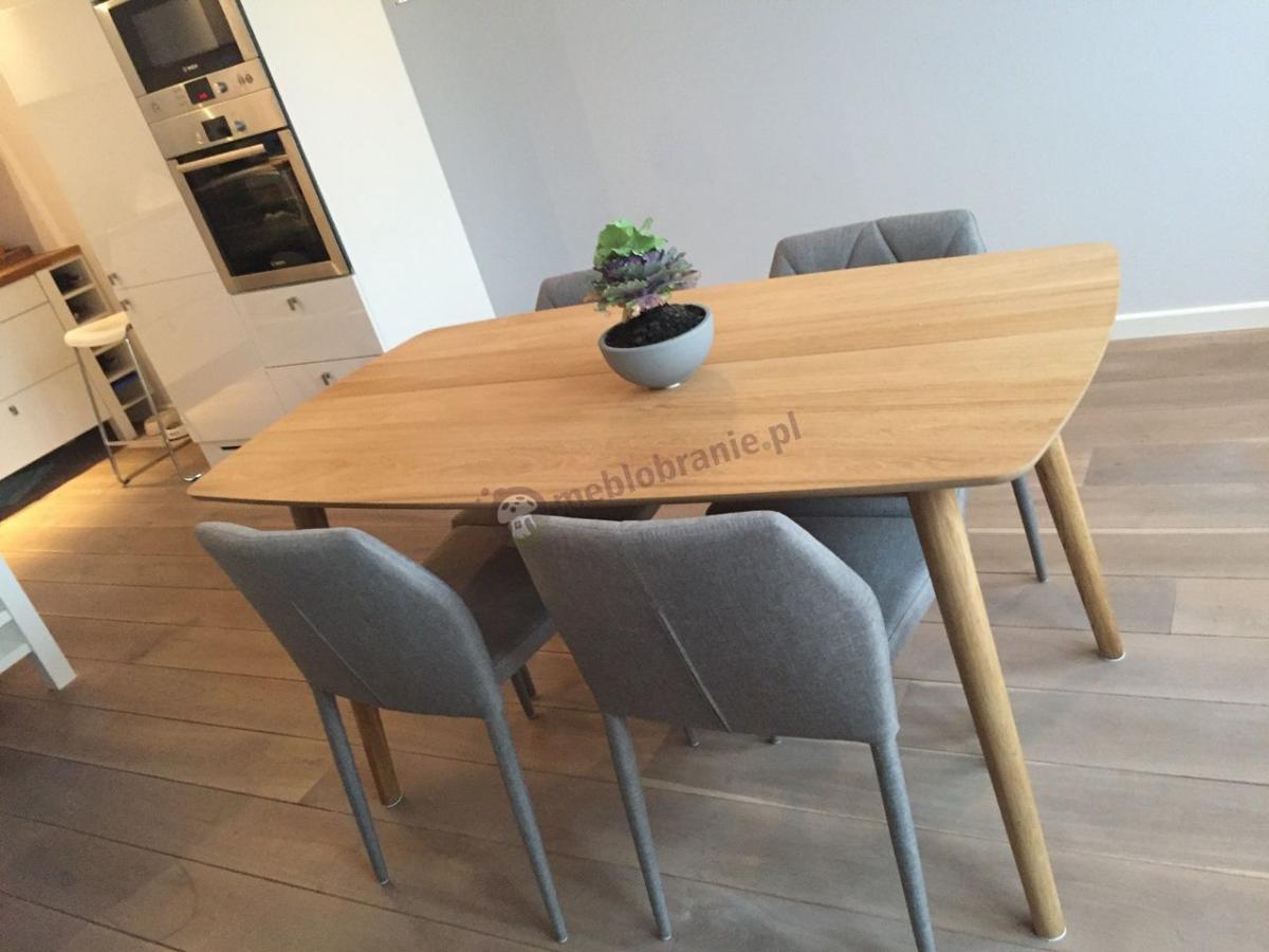 Prosty stół do kuchni dębowy Actona Nagano