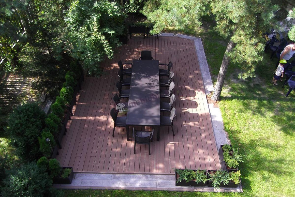 Rodzinne meble ogrodowe brązowe widok z góry