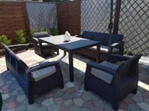 Brązowy zestaw mebli Curver Corfu sofy, fotele i stół Melody