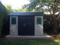 Drewnopodobny domek na narzędzia i sprzęt ogrodowy firmy Keter