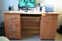 Duże biurko pod komputer Mirek w odcieniu olcha