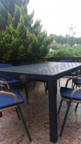 Duży stół ogrodowy rozkładany z tworzywa sztucznego