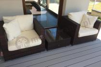 Dwa fotele i stolik z zestawu technorattanowego Nilamito brąz i ecru