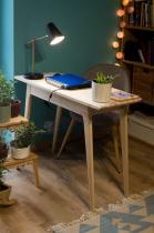 Eleganckie biurko gabinetowe drewniane w stylu skandynawskim