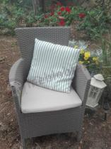 Fotel ogrodowy w niskiej cenie w technorattanowym wzorze Keter