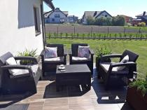 Fotele ogrodowe wypoczynkowe ze stolikiem kawowym Corfu Quattro Curver