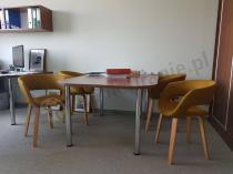 Krzesła do jadalni Curry Actona Grace w jasnym biurze