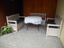 Ławka skrzynia ogrodowa używana na tarasie