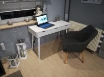 Małe białe biurko pod komputer z szufladami