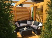 Meble ogrodowe Corfu Set Relax na drewnianym tarasie