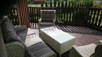 Meble ogrodowe technorattan białe z dużą trzyosobową sofą