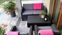 Meble ogrodowe z poduszkami na oparcie Modena Allibert z wytrzymałego tworzywa