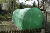 Metalowy tunel foliowy do uprawy warzyw na działce