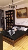 Naturalne łóżko drewniane sosnowe podwójne małżeńskie z szufladą Kreta