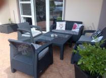 Ogrodowe meble z niskim stołem kwadratowym Fiesta Family Curver
