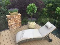 Ogrodowy leżak na kółkach z regulowanym oparciem Altea