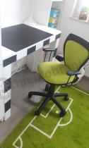 Pokój chłopca z motywami piłkarskimi z krzesłem obrotowym Ministyle
