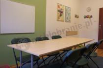 Prosty stół szkolny Rico 200x80 cm w małej, przytulnej sali