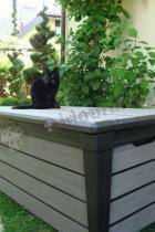 Skrzynia ogrodowa plastikowa Keter używana w ogrodzie
