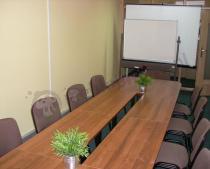 Stół Samba dla 14 osób w nowoczesnej sali konferencyjnej