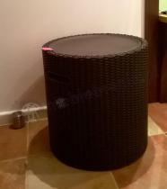 Stołek-stolik ze schowkiem Rattan Cool Stool