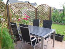 Stoły ogrodowe aluminiowe z wygodnymi krzesłami w komplecie
