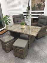 Stoły ogrodowe technorattan fotele i pufy z zestawu Trivento Dining