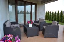 Super zestaw do ogrodu ze stolikiem z półką pod blatem Keter Modena