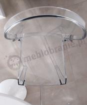 Transparentne krzesło Elizabeth używane w eleganckiej jadalni