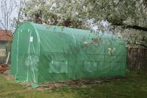 Tunel foliowy metalowy z zieloną siatką wzmacniającą 4,5x2