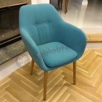 Turkusowe krzesło Actona Emilia z podłokietnikami