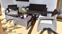 Zestaw mebli ogrodowych Corfu Set na przydomowym tarasie