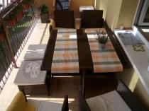 Zestaw mebli stołowych Cristallo technorattan na balkonie